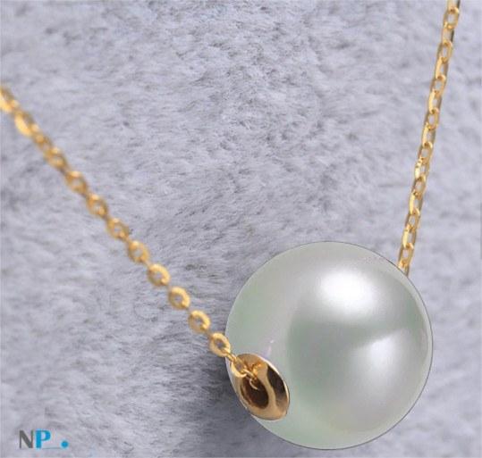 Perla Akoya con cerchi in oro 18k su una catenina oro 18k di 40-45 cm