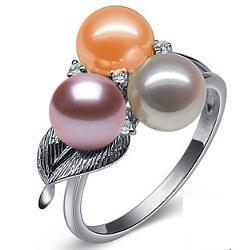 Anello in Oro 9k con 3 perle d'acqua dolce 6-7 mm AAA e diamanti