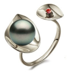 Anello Argento 925 perla nera di Tahiti 9-9 mm o 9-10 mm AAA e tormalina rossa