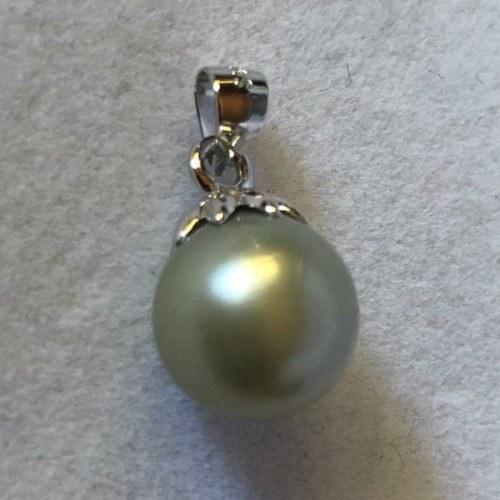 Pendente in argento e perla grigia verde a goccia dalle Filippine 11-12 mm Barocca